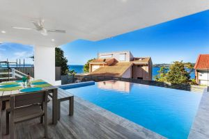 Blue Water Splendour - Infinity pool and amazing views - Accommodation NSW